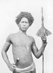 Guerriero Negritos di Luzon impugna una lancia.