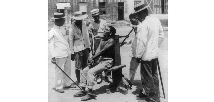 Esecuzione tramite garrota nella prigione Bilibid, Manila 1901