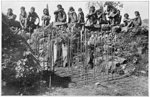 Lance Igorot infilzate nel terreno - 1911