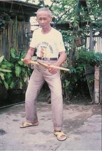 Amador Chavez dell'Arnis Rikarte en Cruzada / Aldabon